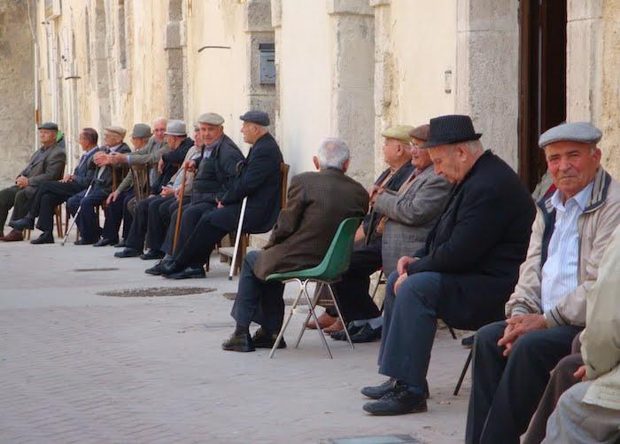 Anziani-al-sole