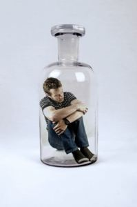 man-trapped-inside-bottle-13999733166NR