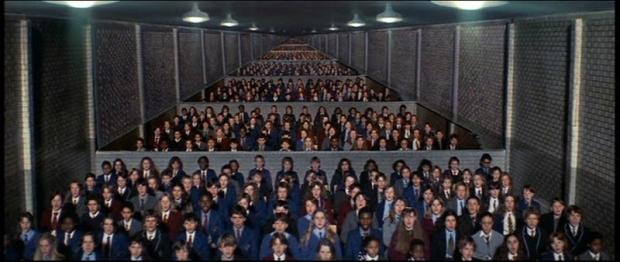 educacic3b3n-para-la-alienacic3b3n-domina-los-espacios-dentro-y-fuera-de-las-aulas-de-clase.png